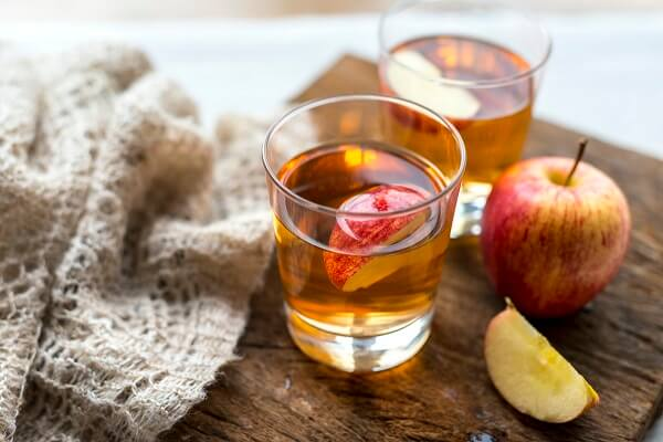 إليك أهم فوائد خل التفاح للوجه