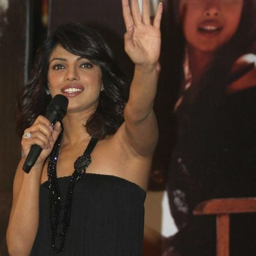 Bollywood Actress Photobook Priyanka Chopra Armpit-1168