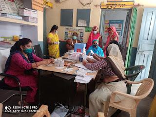 जालौन: अब स्वास्थ्य विभाग का फोकस टीकाकरण पर जोर, मेडिकल कालेज में मीडिया कर्मियों का हुआ टीकाकरण