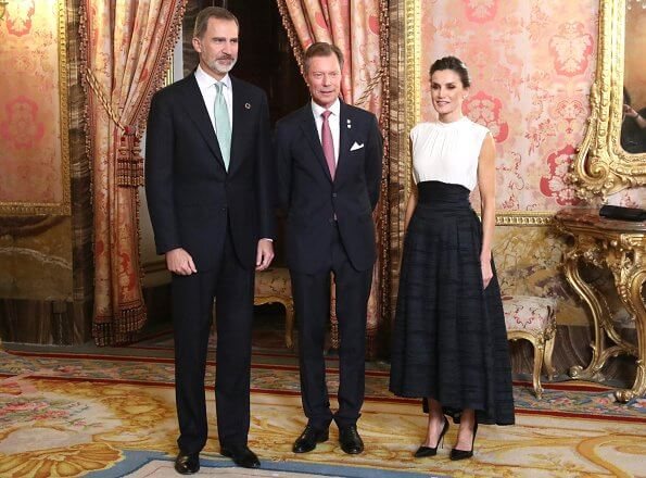 Queen Letizia wore a new silk-linen blend long skirt from H&M Conscious collection. Prince Albert, Grand Duke Henri