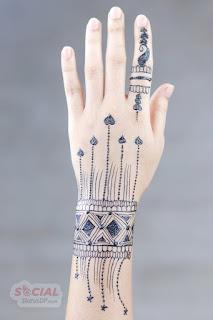 Finger wrist modern mehndi designs 2019