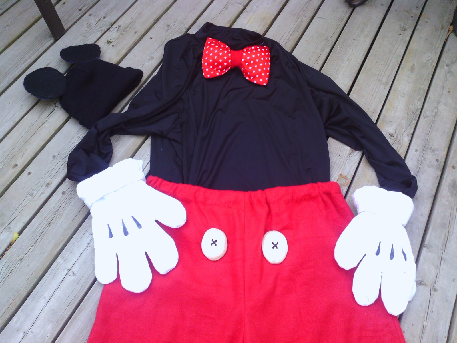 Lillian The Domestic Engineer Blogspot Ca D I Y Mickey Mouse Costume