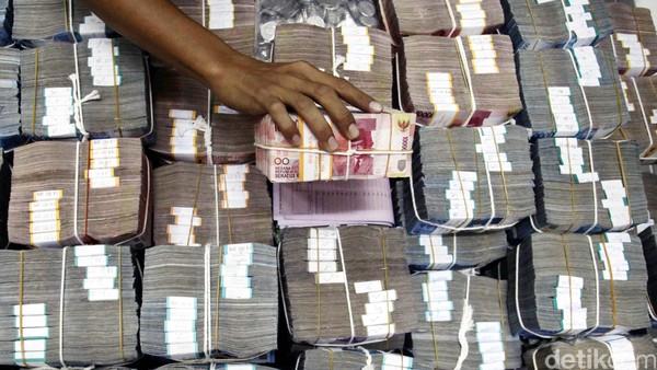 Demi Pulihkan Ekonomi, Jokowi Minta Korban PHK Diberi Pinjaman