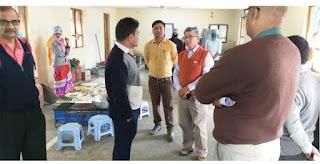 कलेक्टर दीपक आर्य ने किया जिला चिकित्सालय का निरीक्षण