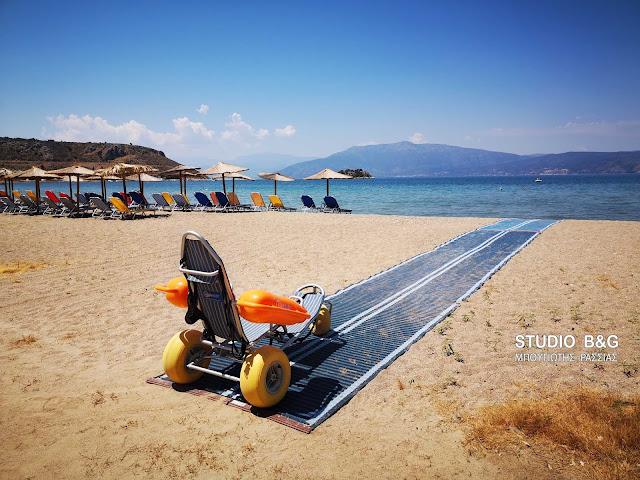 Ράμπες και ειδικά αμαξίδια για την εξυπηρέτηση των ΑμεΑ σε παραλίες του Δήμου Ναυπλιέων (βίντεο drone)