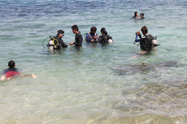JustMom-Scuba-Diving-Before-Diving-Divemasters-Divers-Pado