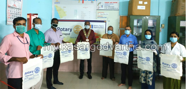Kerala, News, Cloth bags were donated to the General Hospital