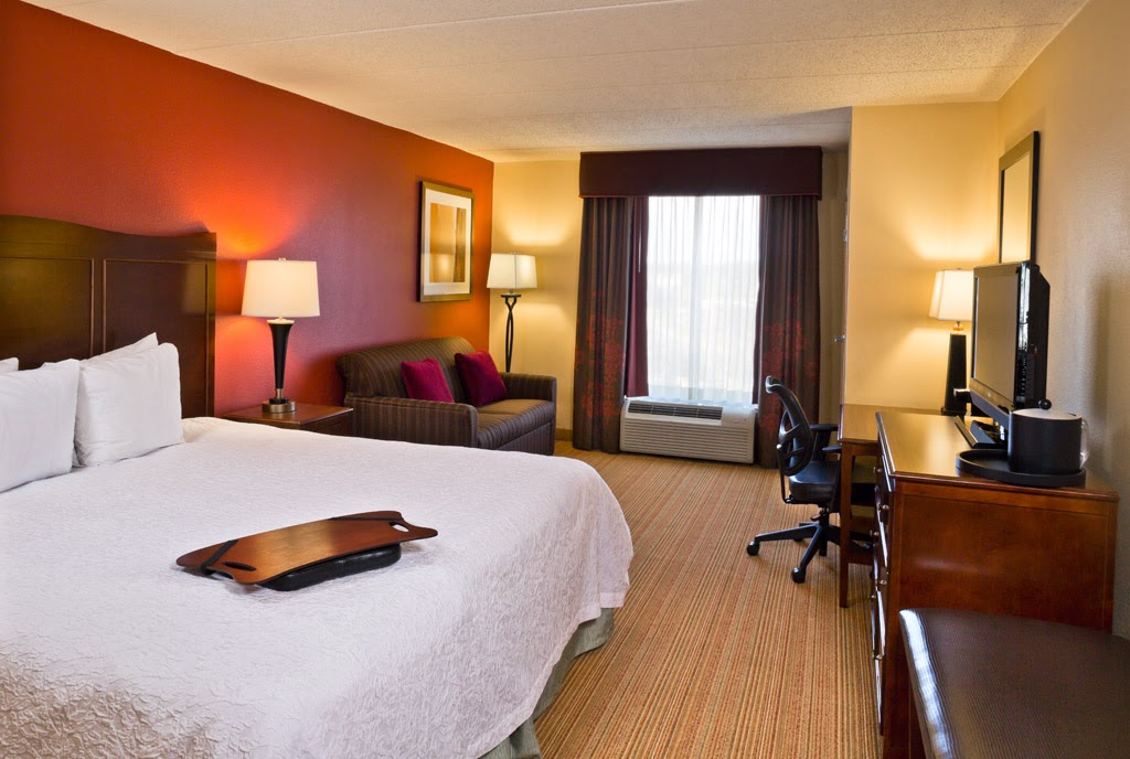 Hampton Inn Baltimore/White Marsh Guest Room one King Bed