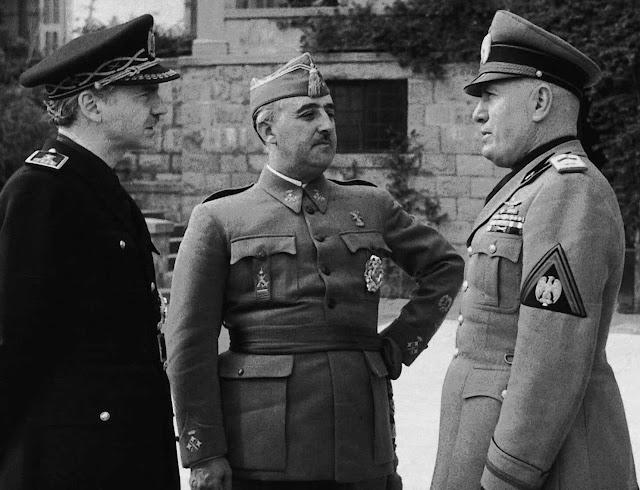 Falange Española Tradicionalista y de las JONS, cuando Franco copiaba a Mussolini