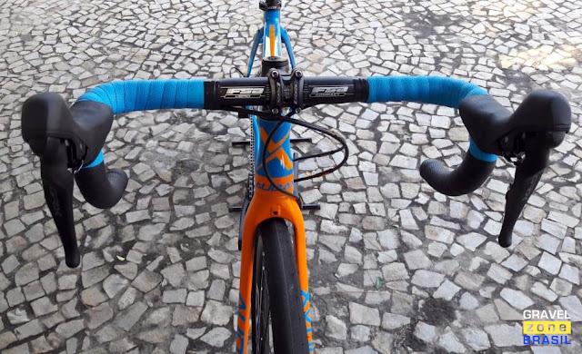 Audax Bike Pampero Gravel Alumínio cockpit FSA e trocadores Shimano GRX