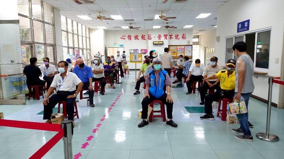 民眾傳出「不打,說不定活更久」聲音|台南疫苗出現緩打潮|市長:尊重民眾意願