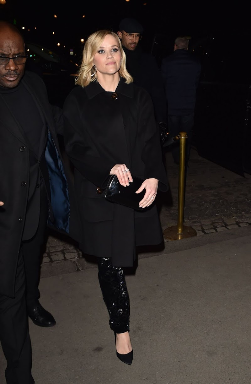 Reese Witherspoon Arrives at Giorgio Armani Show at Paris Fashion Week 21 Jan-2020
