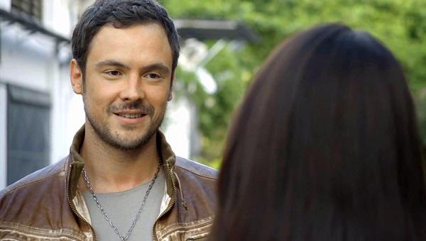 Chiclete fica encantado com Vivi (Imagem: Reprodução/ TV Globo)