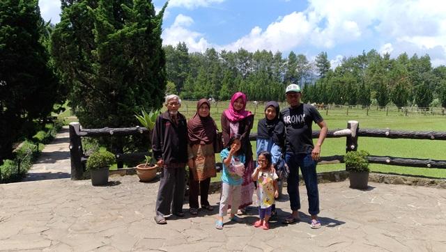 Liburan Singkat di Lembang, Staycation di Green Forest Resort Aja!