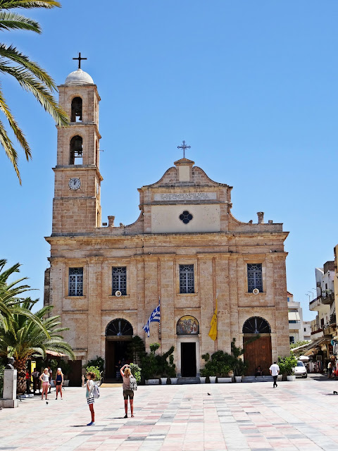 kościół w centrum Chanii