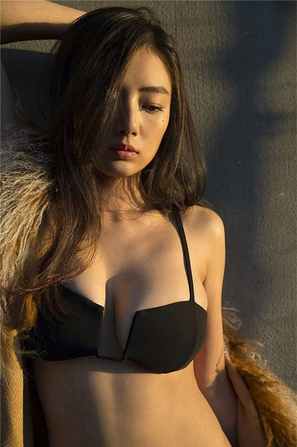 """Chiêm ngưỡng đôi gò bồng đảo tuyệt đẹp của mỹ nhân sở hữu vòng một """"nóng bỏng""""nhất Nhật Bản"""