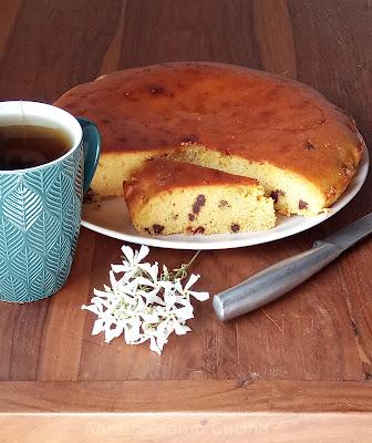 Torta golosa, proteica e senza glutine per una colazione super. Preparata con ricotta, miele e farina di ceci.