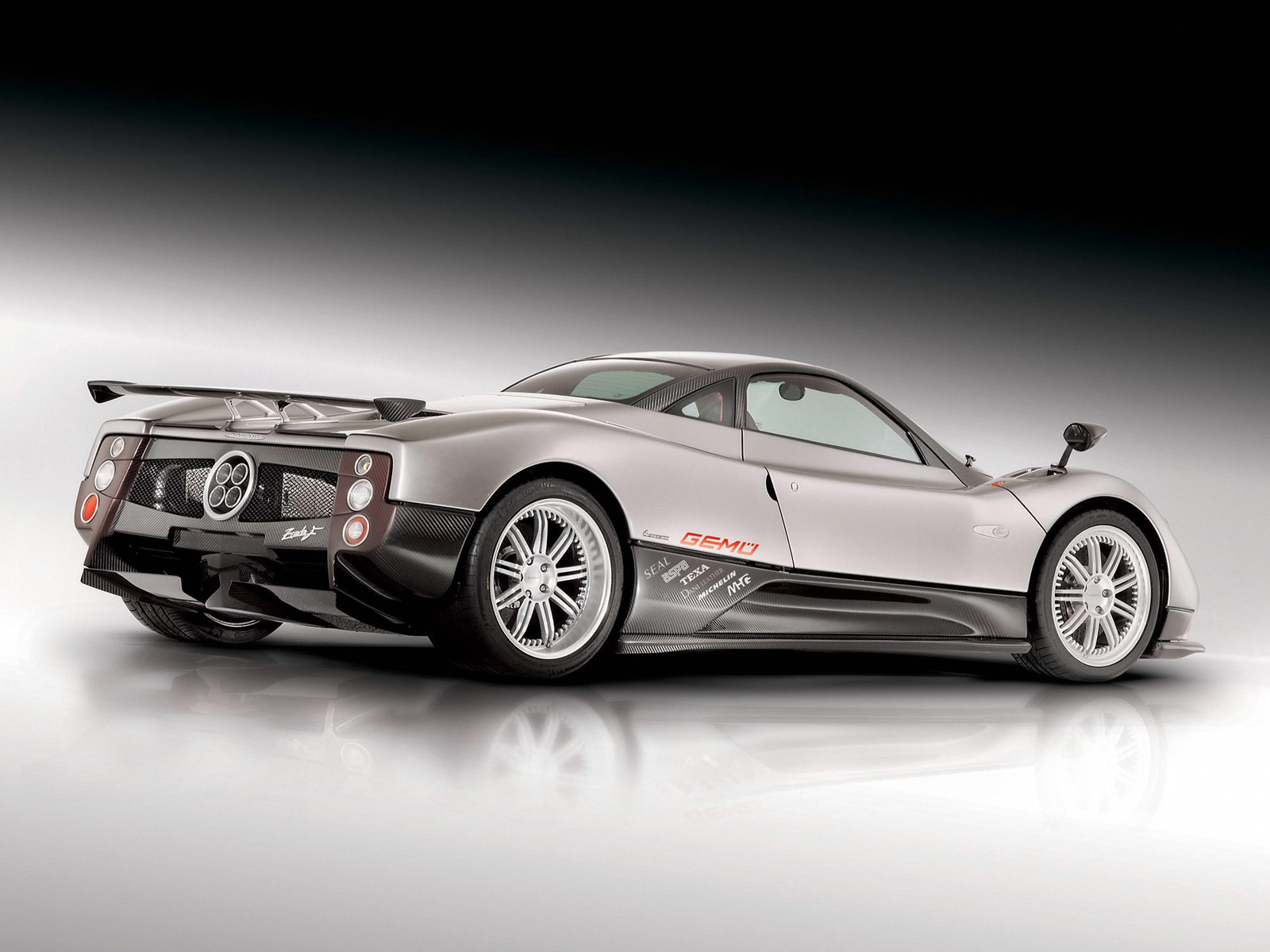 sports car world meet your desires pagani zonda f. Black Bedroom Furniture Sets. Home Design Ideas