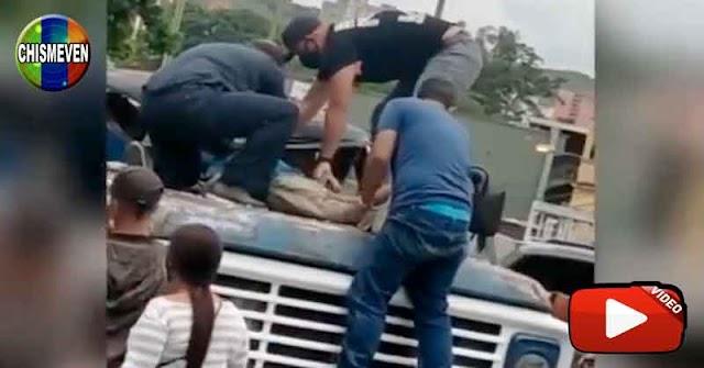 MALA SUERTE   Trató de suicidarse lanzándose desde un puente y cayó sobre un camión