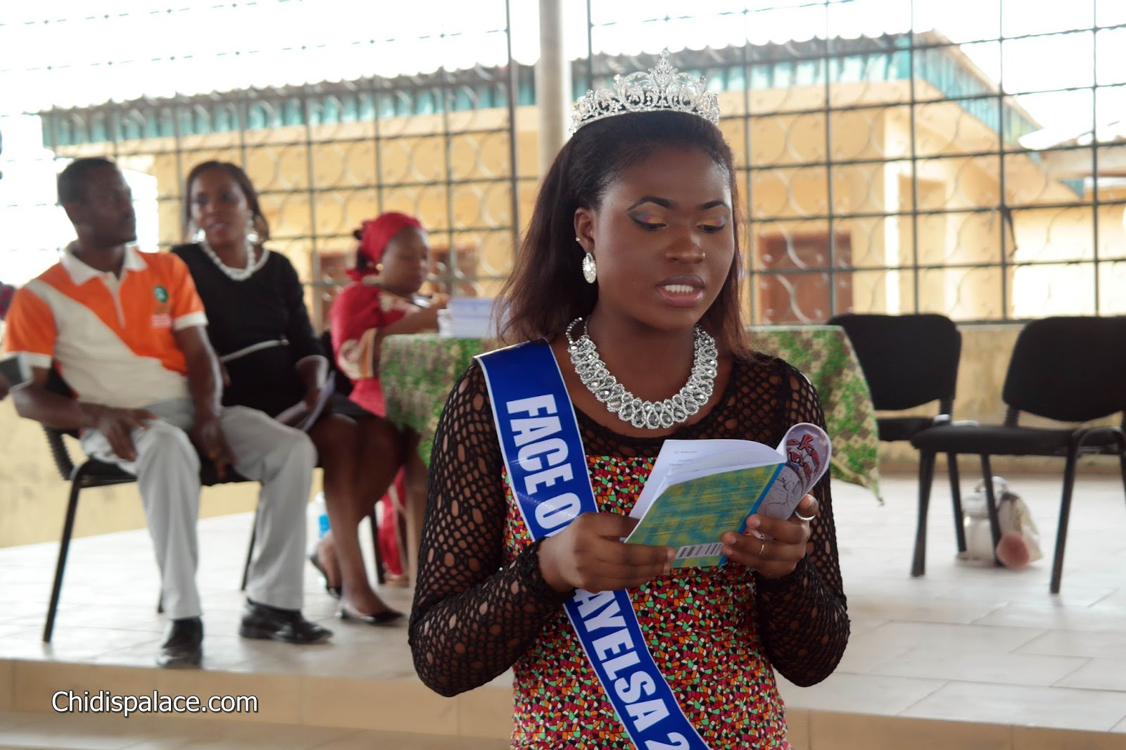 Beauty Queen a Fantastic Reader - chidispalace.com