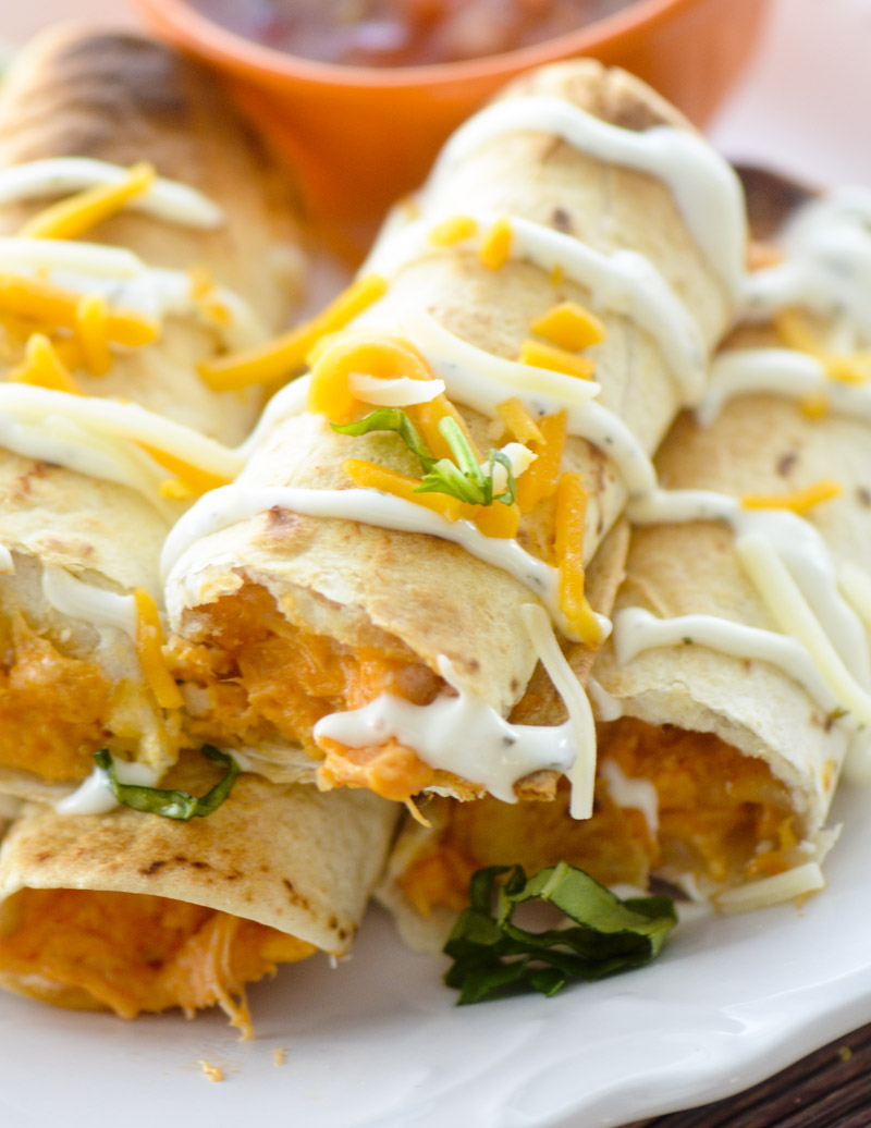 BAKED BUFFFALO CHICKEN TAQUITOS #diet #paleo #lowcarb #chicken #easy