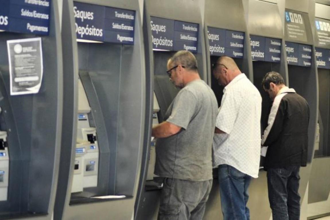 Bancos ficarão fechados durante o carnaval e reabrirão só às 12h de quarta-feira