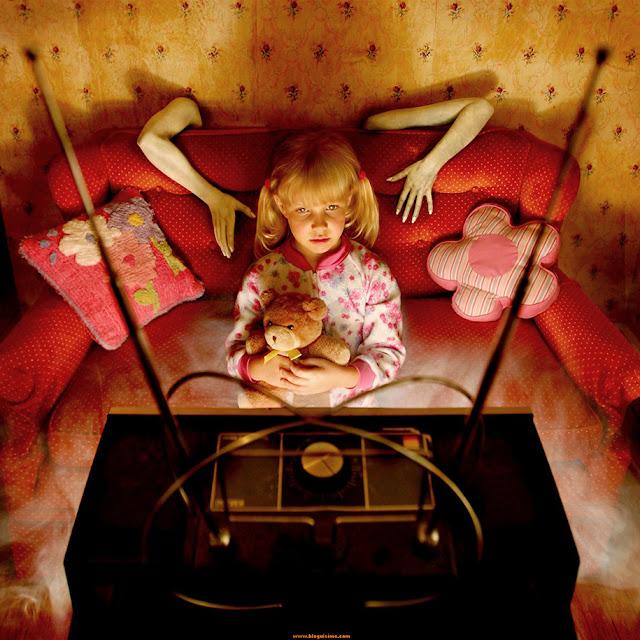 Pai fotógrafo cria assustadoras fotos de terror com suas filhas como modelos