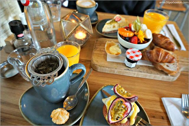 Desayuno en la Cafetería Dignita Hoftuin en Amsterdam