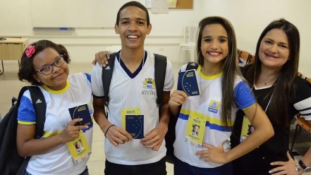 Estudantes da Escola Nadir Colaço representam o Recife em feira de ciências no Paraguai