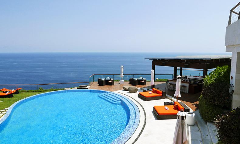 Euriental | fashion & luxury travel | The Edge, Uluwatu, Bali