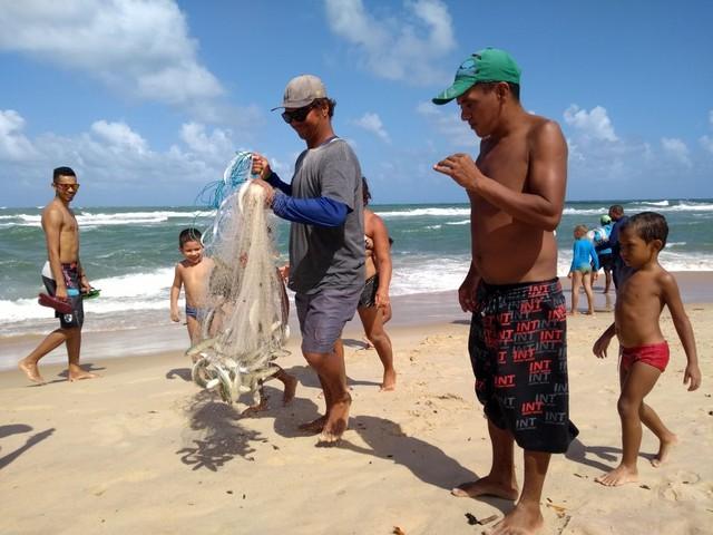 4 mil pescadores do RN recebem auxílio por causa de desastre com óleo no litoral, diz Ministério da Agricultura