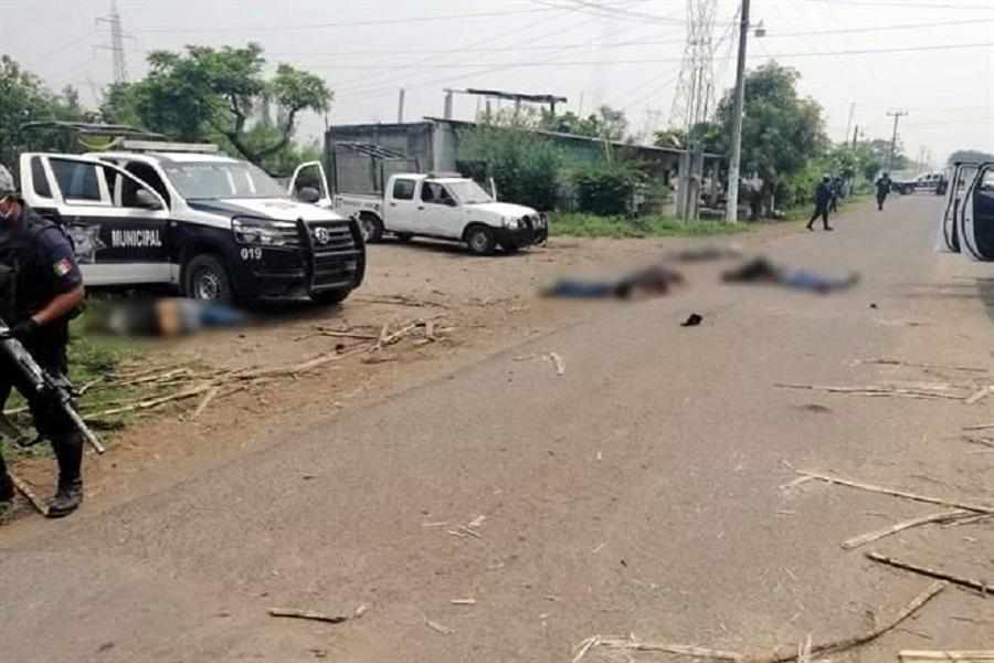 Galería; 6 muertos dejo como saldo enfrentamiento entre Sicarios y Policías en Acatlán; Oaxaca