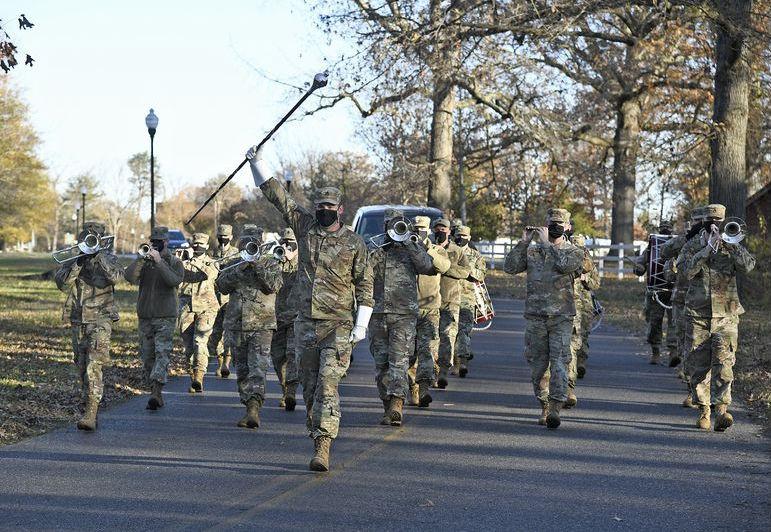كورونا كوفيد 19 الجيش الأمريكي