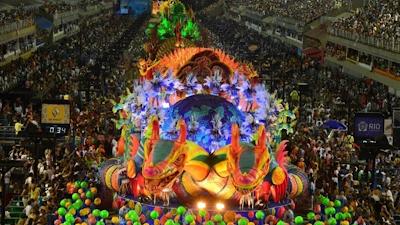 """Em """"perseguição"""": Crivella corta repasse e carnaval do Rio em 2018 é suspenso"""