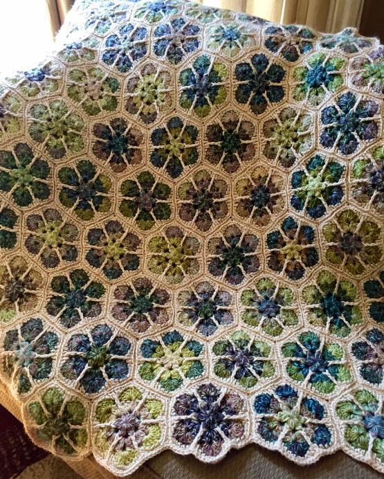 African flower, hexagon motif, crochet blanket