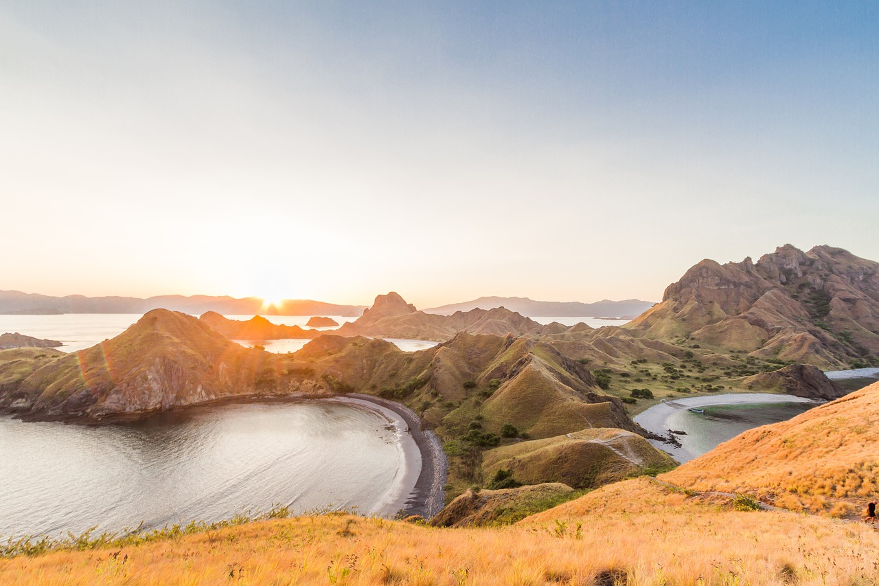 3 Exciting Activities Tour to Komodo Island and Its Surroundings