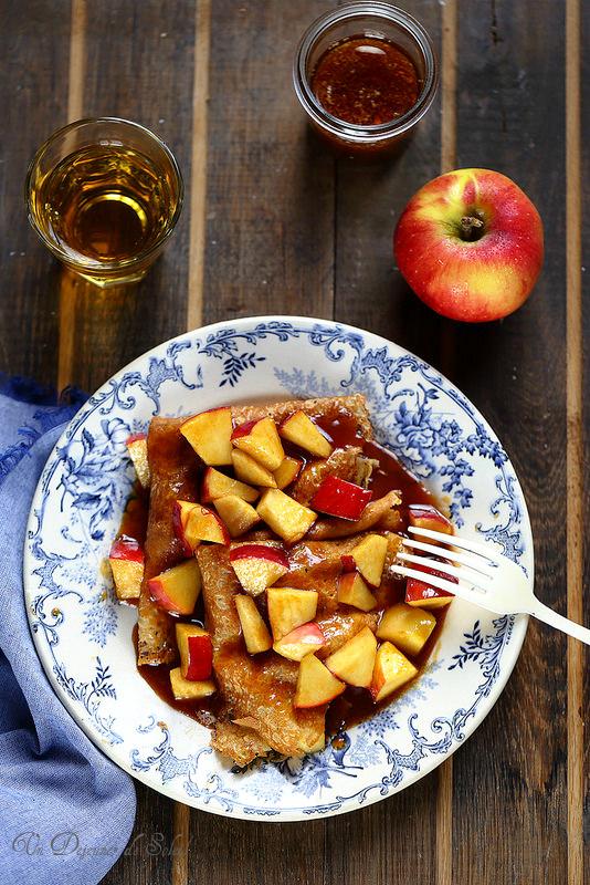 Crêpes aux pommes sauce caramel au cidre