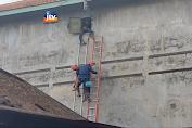 Aksi Dramatis Penyelamatan 2 Orang Karyawan Sarang Burung Walet