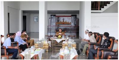 Gubernur Arinal dan Fakultas Pertanian Unila Kembangkan Pakan Ikan Terapung