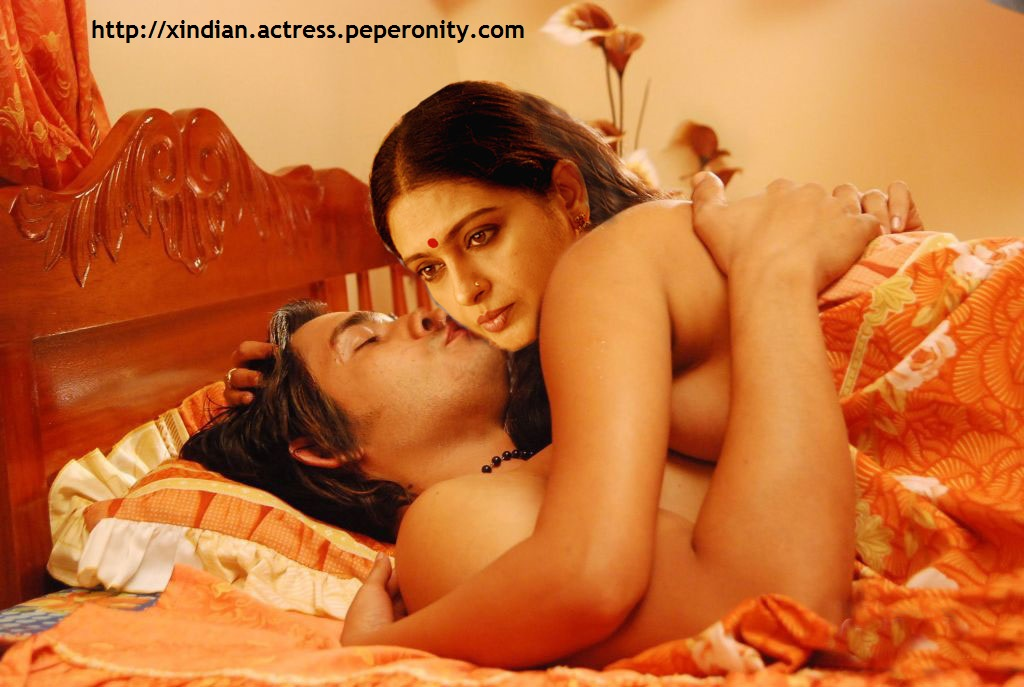 nude  photos kushboo fake