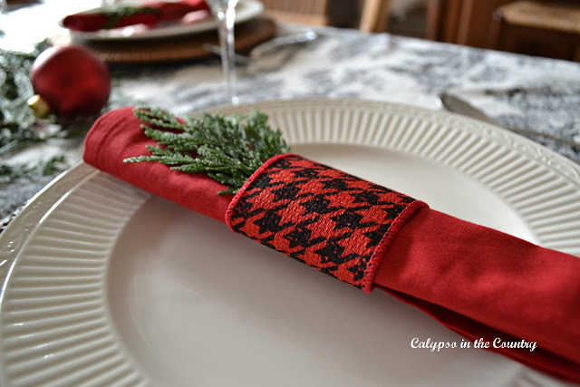 Red and Black Houndstooth Napkin Rings