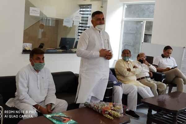 faridabad-bjp-worker-celebrated-rakshabandhan-with-plantation