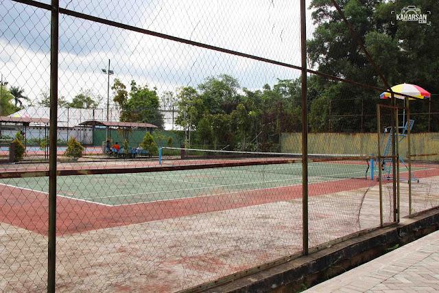 main tenis tugu digulis pontianak - kaharsan