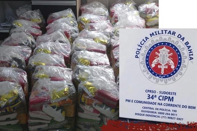 Policiais doam cestas básicas para famílias carentes no Sudoeste da Bahia