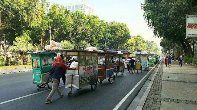 Jalan Ditutup saat Pelantikan Jokowi, Omzet Pedagang Turun