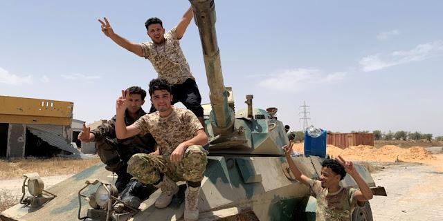 Ρωσία και Αίγυπτος υπέρ της ειρηνικής διευθέτησης στη Λιβύη