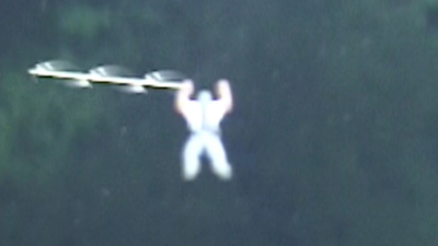 white-sky-rod-ufo-caught-on-camera