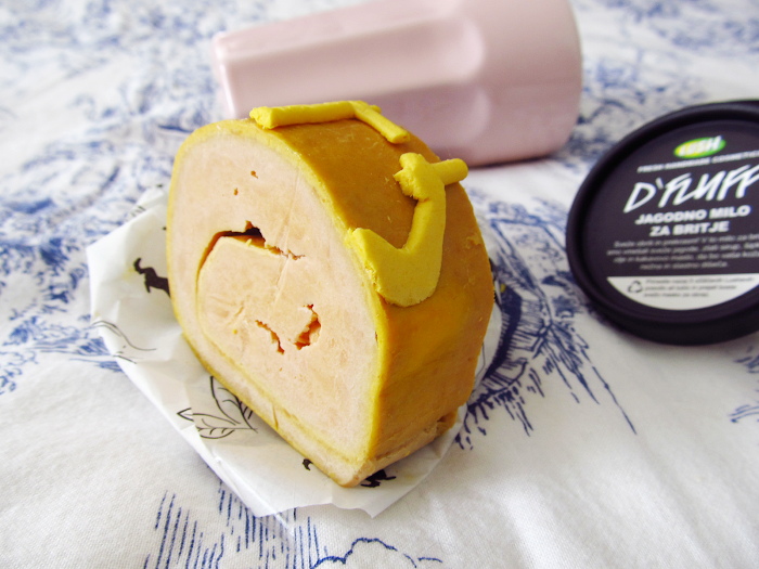 lush yog log roulade review
