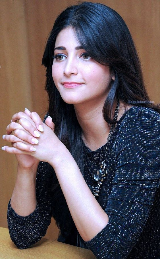 Beautiful Shruti Hassan Pictures 2020 | Bollywood Celebrity