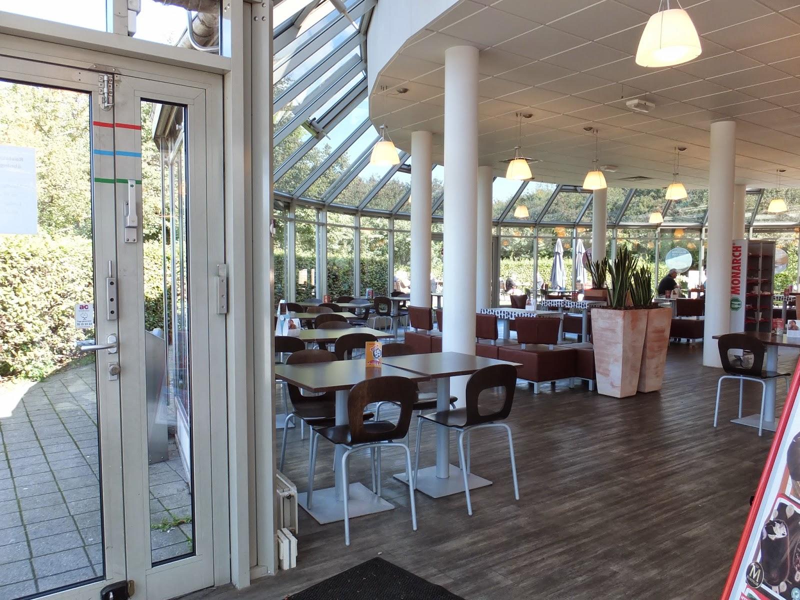 rest-area-denmark-restaurant デンマークのサービスエリアレストラン